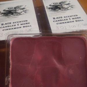 3oz cinnamon roll clam shell 100% soy wax